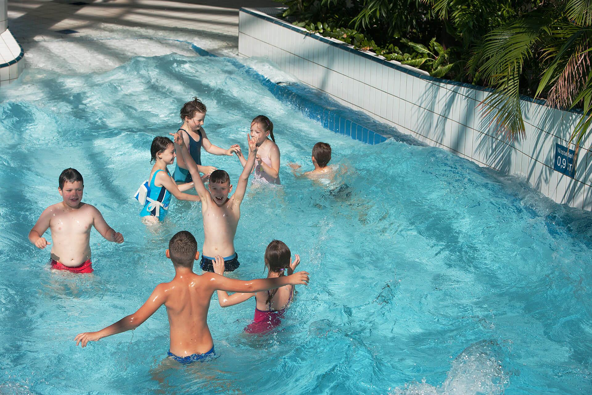 frauen nackt im schwimmbad